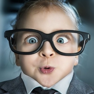child-with-glasses-funny-750x410